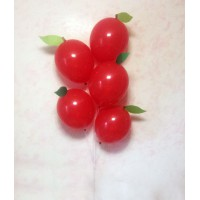 Красные шары-яблоки