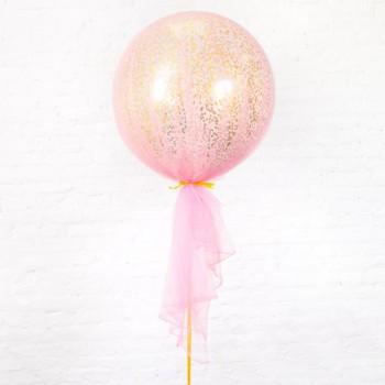 Большой шар с золотыми квадратными конфетти в розовом фатине