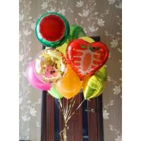 Облако разноцветных шаров с фруктами