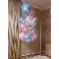 Фонтан голубых и розовых перламутровых шаров со звёздами и сердечком