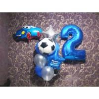 Голубая композиция из цифры, фигурки машинки и фонтана шаров для мальчика