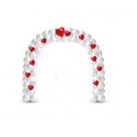 Арка белая с красными сердечками