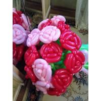 Большой букет роз из шаров