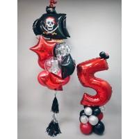 Пиратский фонтан с гирляндой тассел и красная цифра