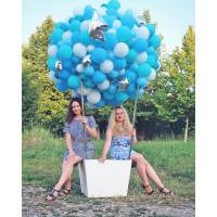 Большой шар из маленьких шаров в голубом цвете на фотосессию