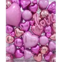 Большая фотозона из розовых фольгированных сердец