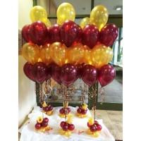 Оформление стола на банкет фонтанами из 10 шаров с основанием из небольших шаров