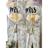 Баблс Mr и Mrs в золотых тонах на гирлянде тассел