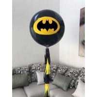 Большой шар с эмблемой Бэтмен на гирлянде тассел