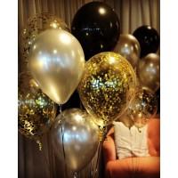 Фонтан из шаров в золотых тонах