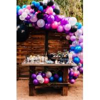 Разнокалиберная гирлянда с большими шарами в черно-белых, сине-голубых и розово-сиреневых тонах