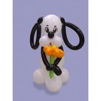 Бело-черная собачка из шаров