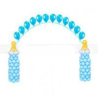 Арка голубая на выписку с бутылочками из шаров