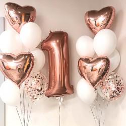 Сет из цифры и связок шаров с фольгированными сердцами в бело-розовых тонах на день рождения