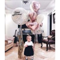 Большой сет из большого шара с надписью на гирлянде тассел и связки шаров с фольгированными сердцами в бело-розовых и серебристо-золотых тонах бабушке/маме